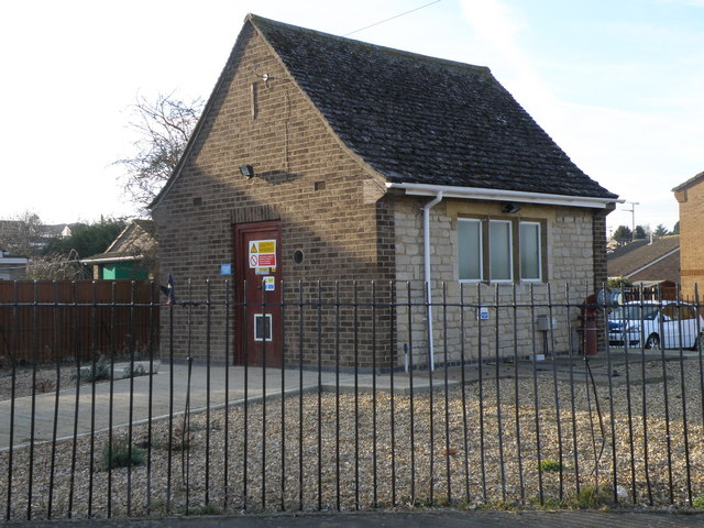 Pump house on the corner of Occupation Road