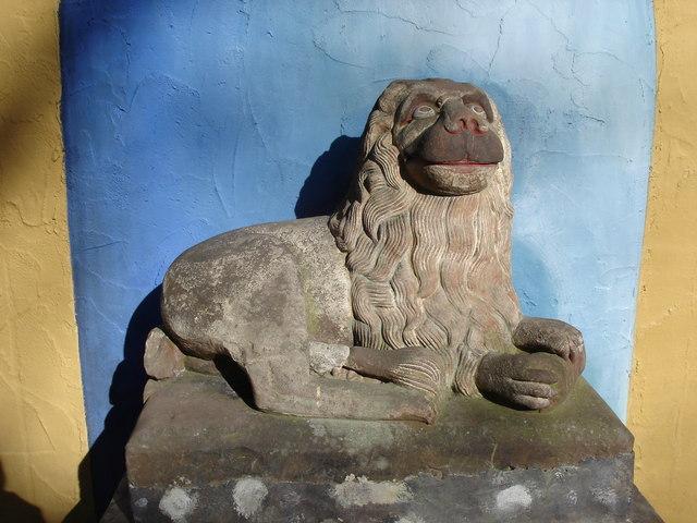 Portmeirion - lion carving