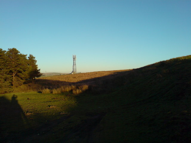 Communications mast on the edge of Tebay Fell