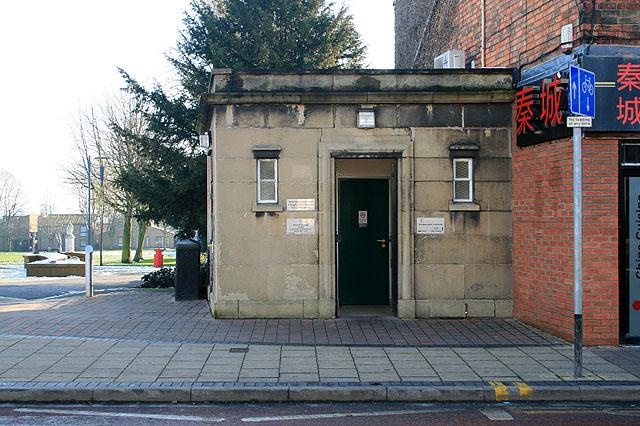 Public Toilet on High Road, Beeston