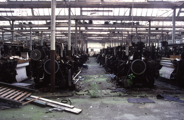 Derelict weaving shed, Baitings Mill