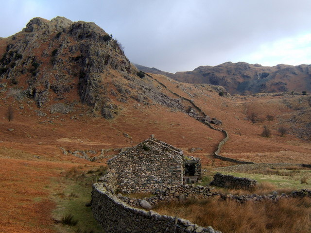The Bell and ruins of Bell Cottage
