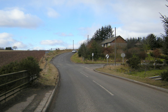 Gask / Bowriefauld Road, at its junction with the road leading to Letham