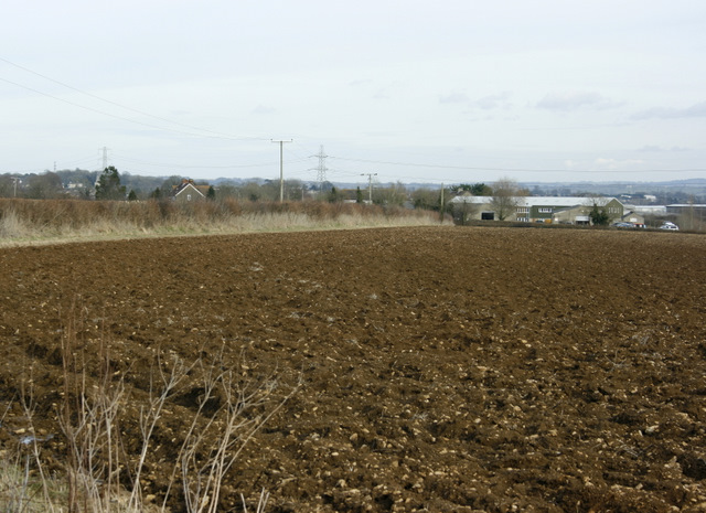 2009 : Ploughed field and farm, Chippenham Lane