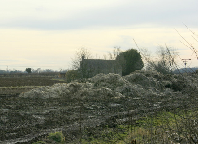 2009 : Bijou country residence with its own muck heap