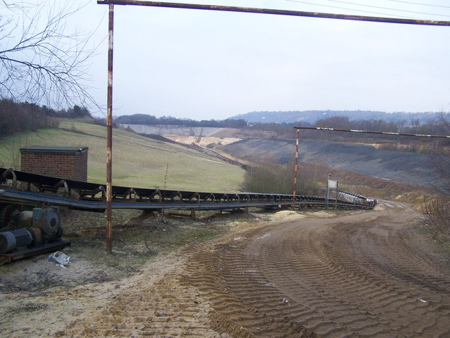 Sand pit and conveyor, Hansons Quarry