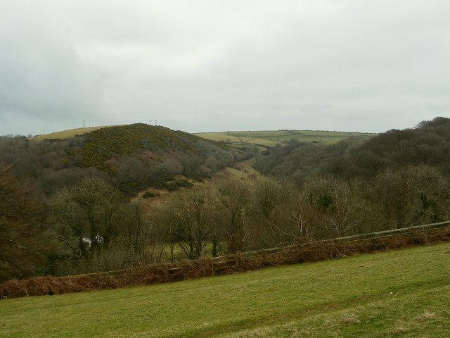 Cleave Wood to the left, Shelfin wood to the right, Oakridge Farm in the centre