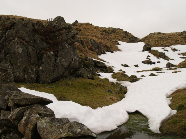 Rock and snow, Ellers Cleuch Rig