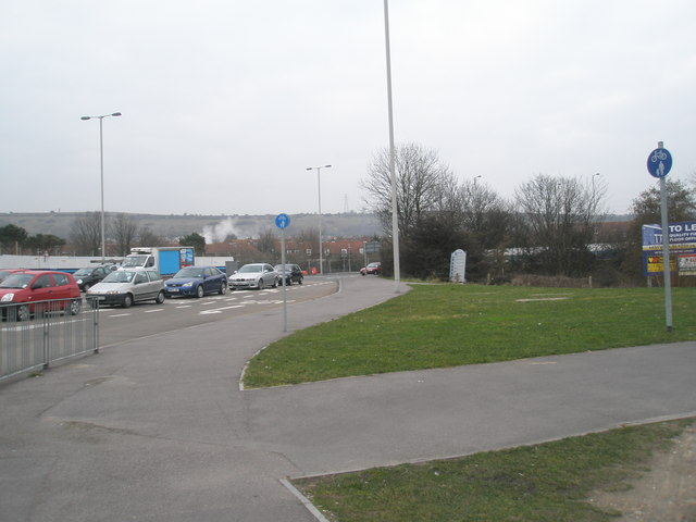 Cycleways at the junction of Southampton and Western Roads