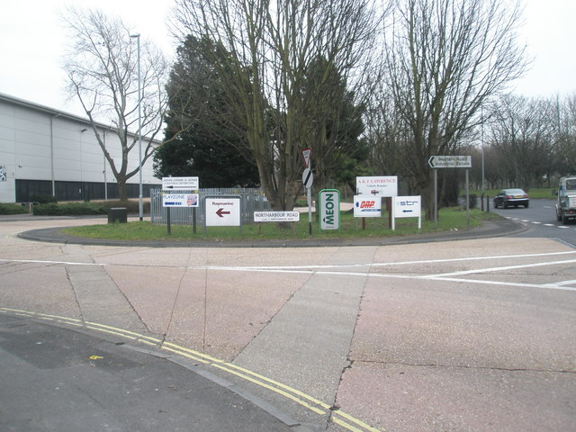 Signs at the junction of Northharbour and Western Roads