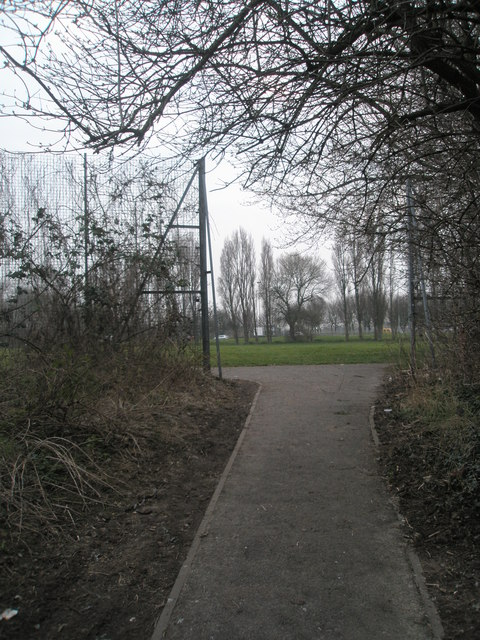 Footpath from The Isle of Wight Estate emerges into King George V Playing Fields