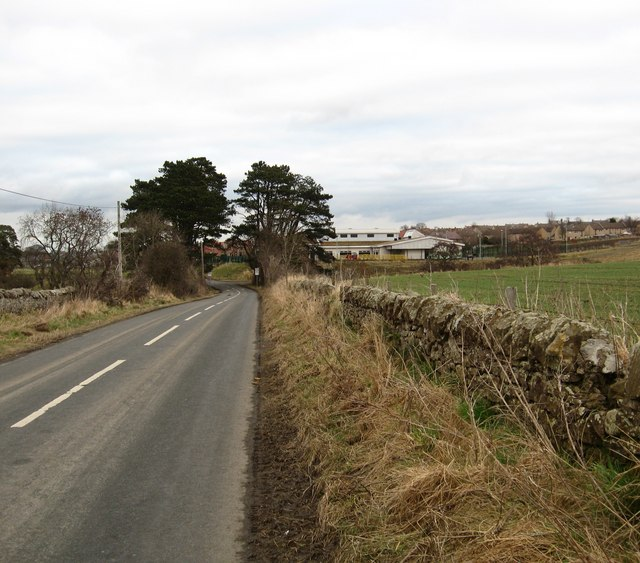 Heading in to Pathhead from Crichton