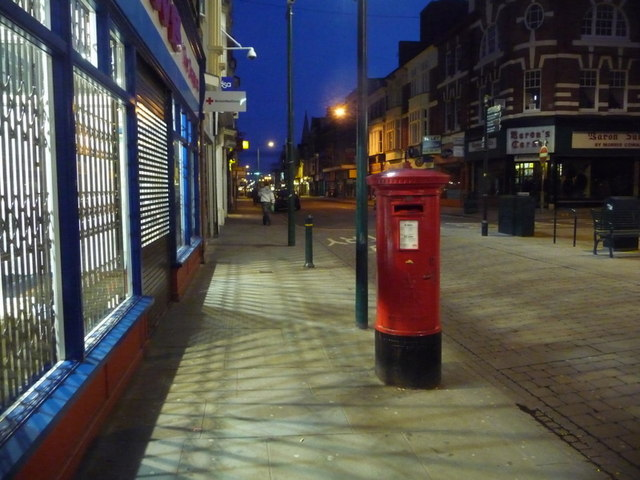 Newport: postbox № NP20 9, Commercial Street