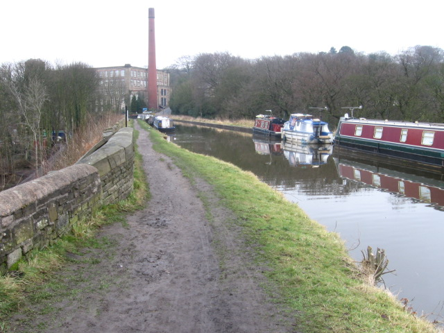 Macclesfield Canal near Clarence Mill