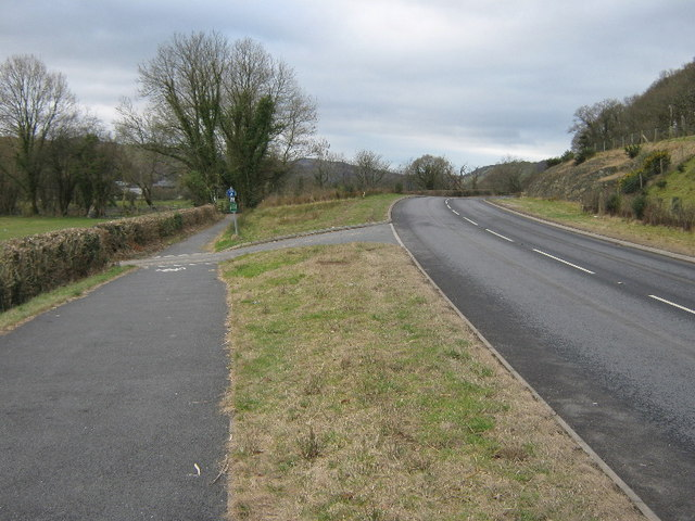 The junction of the Cycle path and the A487