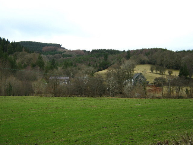 Across the fields to Pantperthog