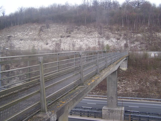 Footbridge over M20