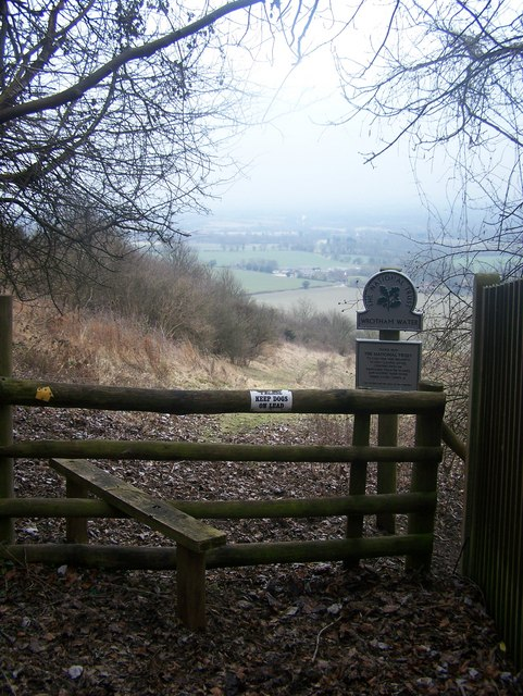 Stile on entrance to Wrotham Water