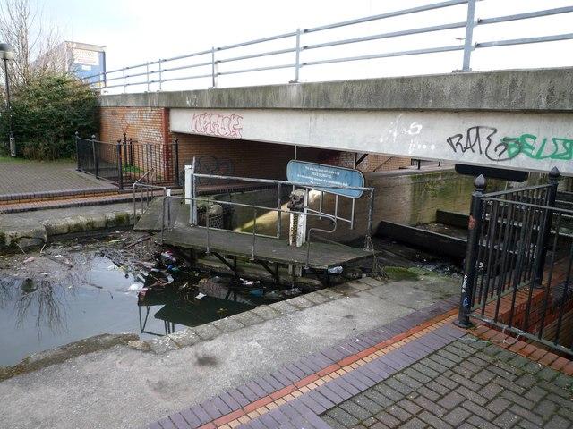 Dry lock at Bulls Bridge