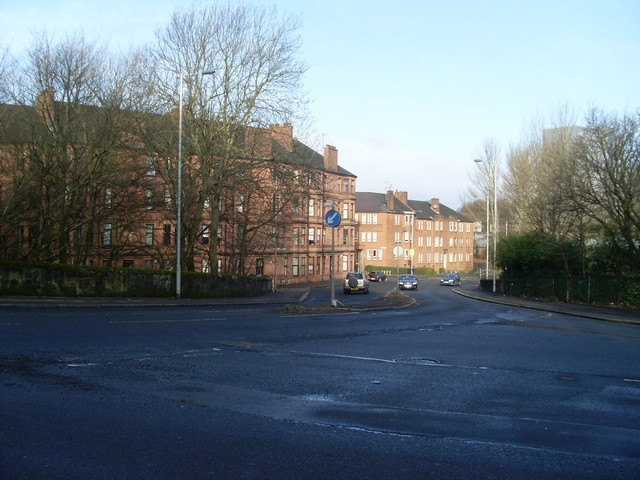 Thornliebank Road tenements