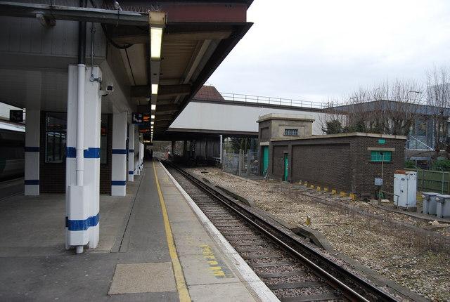 Platform 6 Gatwick Station
