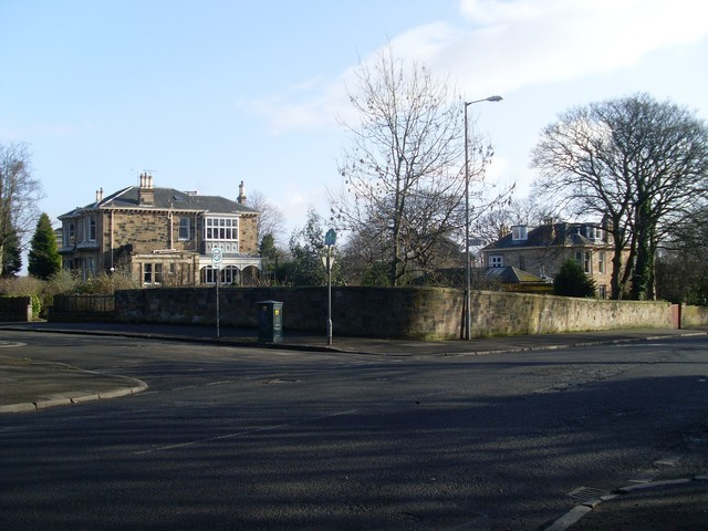 Nithsdale Road at Albert Drive