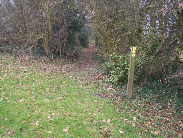 Footpath junction in Redlibbets Golfcourse