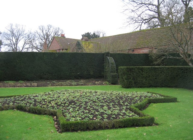 Symmetrical flowerbed