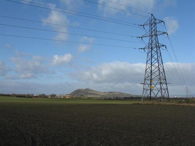 Pylon between Shawfair and Hilltown