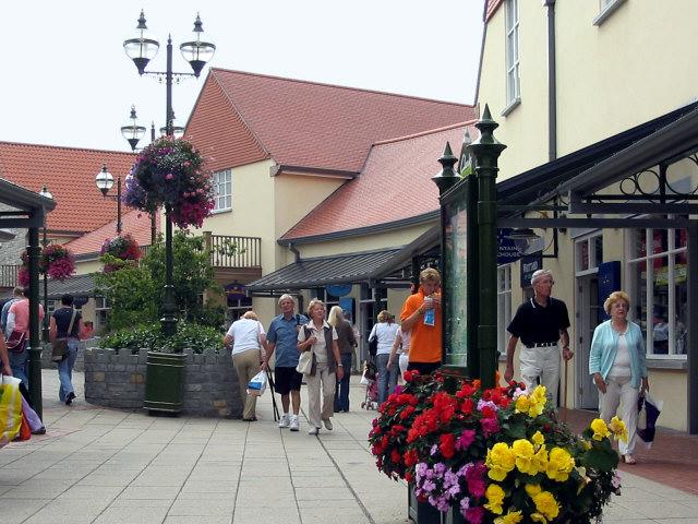 Shops in Clarks Village, Street