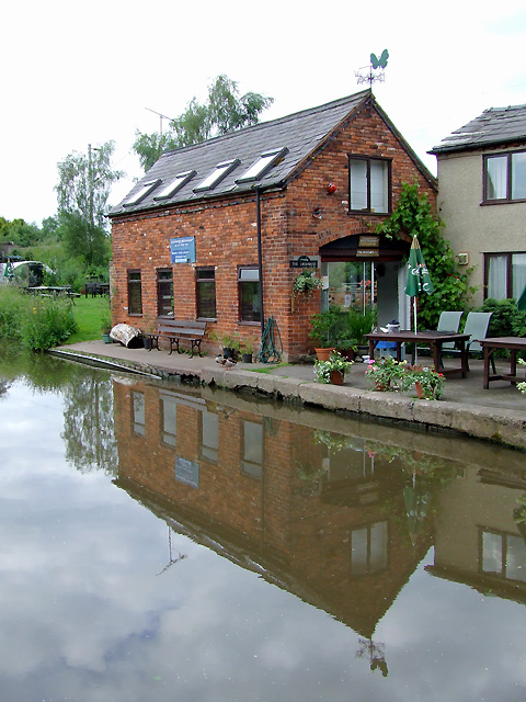 Canalside restaurant at Great Haywood, Staffordshire