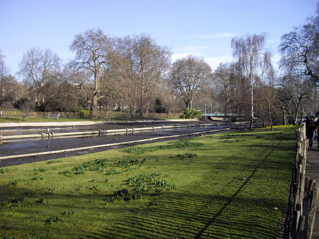 Drained lake in St James's Park