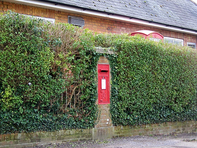 George VI postbox, Puddletown