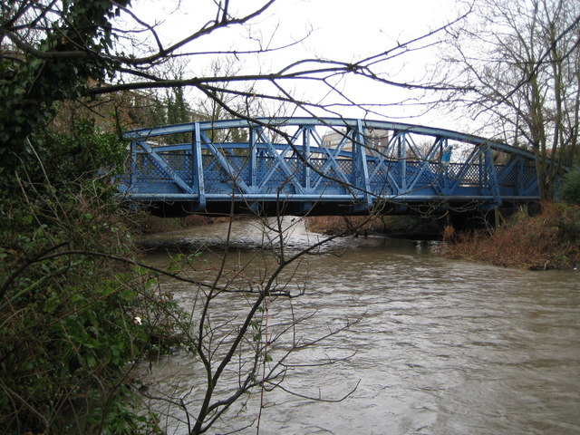Kingston upon Thames: Knights Park bridge (1)