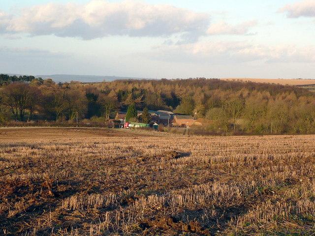 Stubble fields southwest of Wold Farm