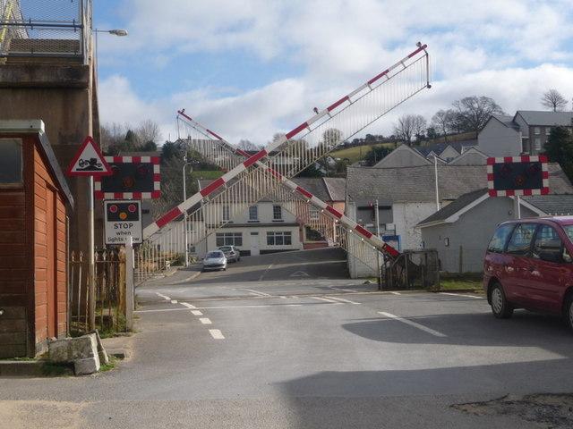 Ferryside: level crossing