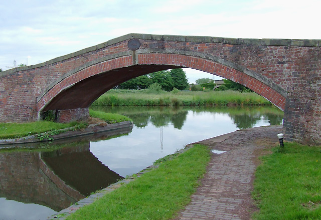 Bridge No 109, Staffordshire and Worcestershire Canal , Great Haywood
