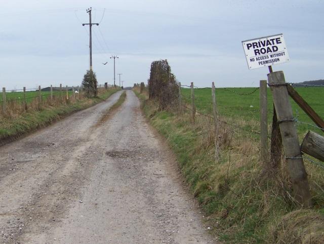 Farm track on Fourmile Hill