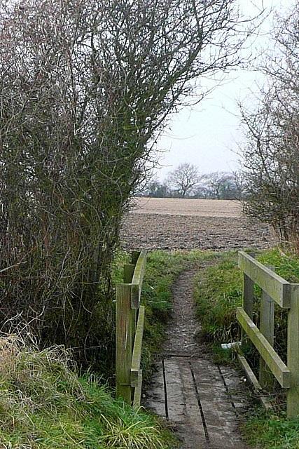 Footbridge on path to Enborne