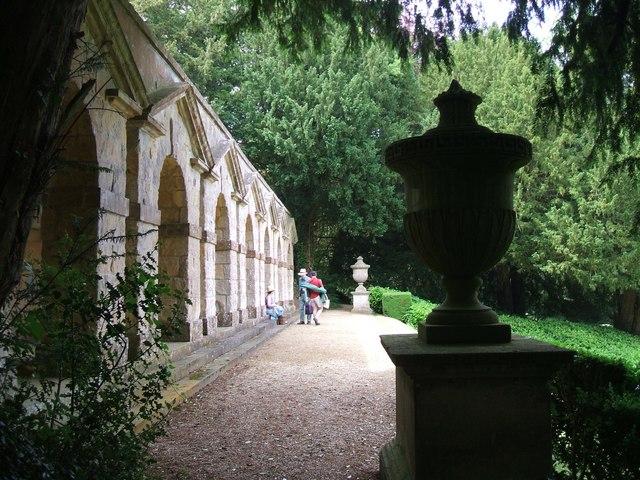 Rousham Gardens: approaching Praeneste