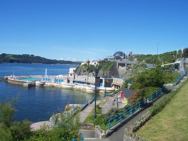 Plymouth : Tinside Lido, Plymouth Dome and Coastline