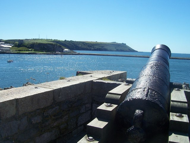 Plymouth : Cannons Overlooking Sutton Harbour