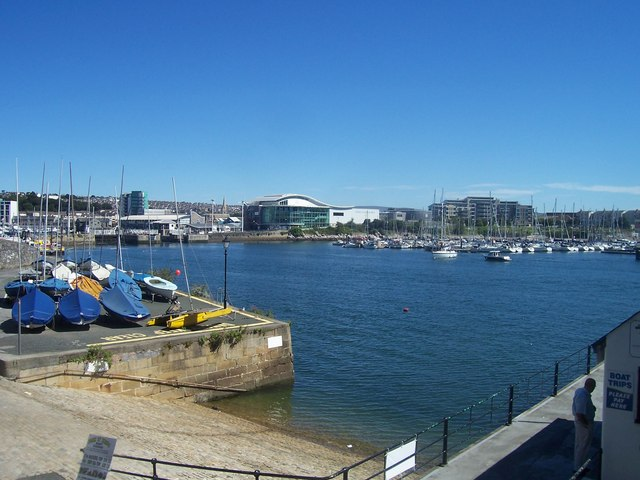 Plymouth : The Aquarium & Marina