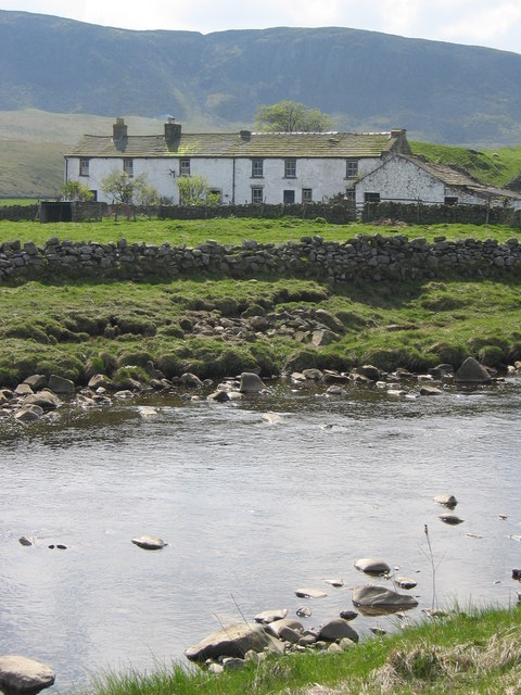 Wheysike House from the Pennine Way