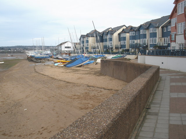Dinghies on the foreshore, Exmouth sailing club