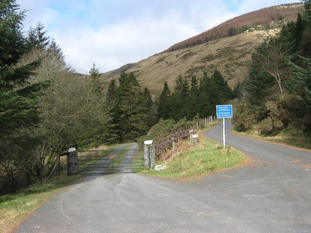 The lane to Fron-fraith