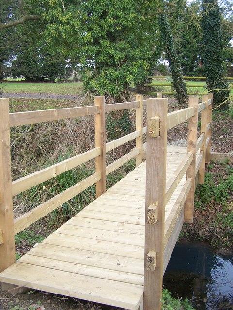 Footbridge near Gladwish Bungalow