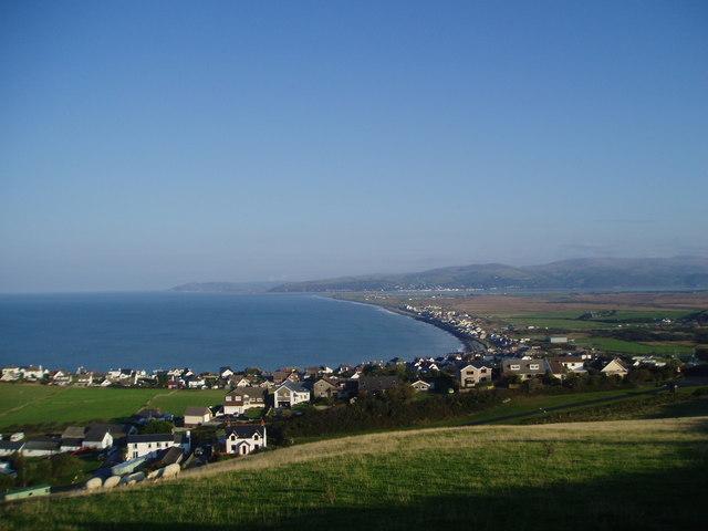 Borth looking north over Ynyslas towards Aberdovey