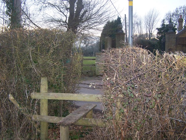 Footpath crosses Rosemary Lane