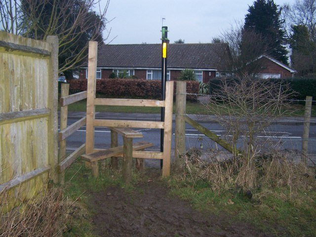 Footpath reaches A227 Wrotham Road